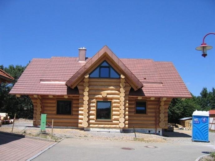 Naturstamm-Blockhaus in Obertalheim