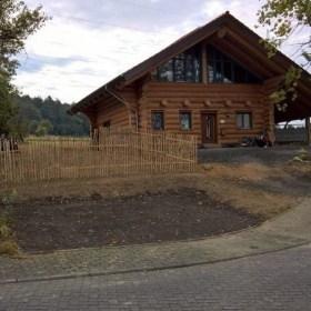 Naturstammhaus mit Carport in Eitorf