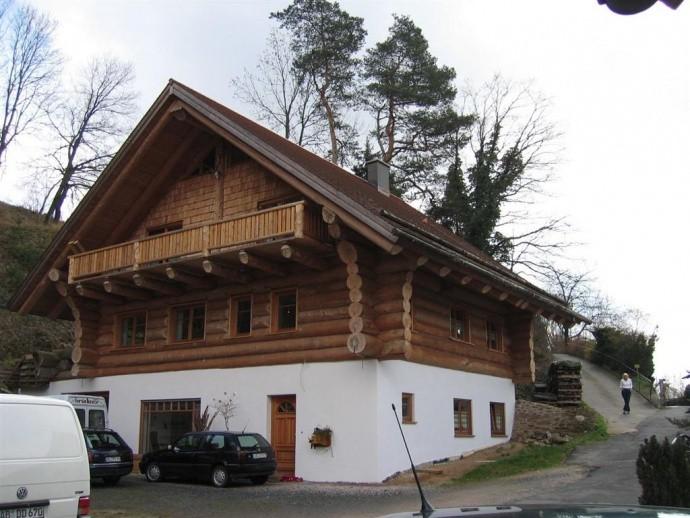 Naturstammhaus im Spessart