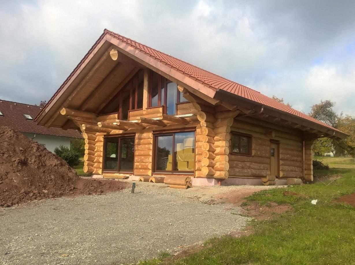 naturstamm blockhaus in herzogsweiler egner blockhaus. Black Bedroom Furniture Sets. Home Design Ideas