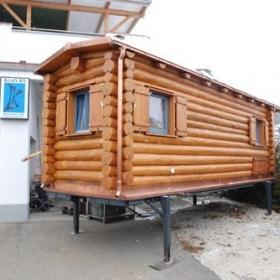 Mobiles Naturstammhaus