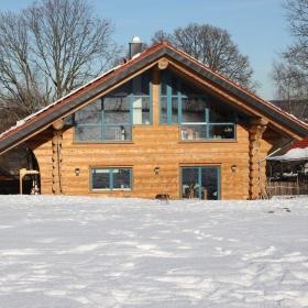 Naturstammhaus Blockhaus in Eitorf Vorderseite